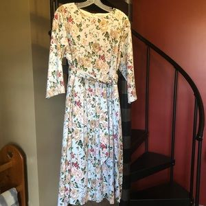 Dainty Jewells Flowering Felicity Dress. XXL